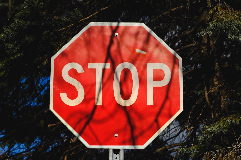 bad-leadership-habits-to-stop.jpg